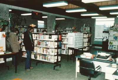 Openbare bibliotheek deurnewiki for Kortooms interieur
